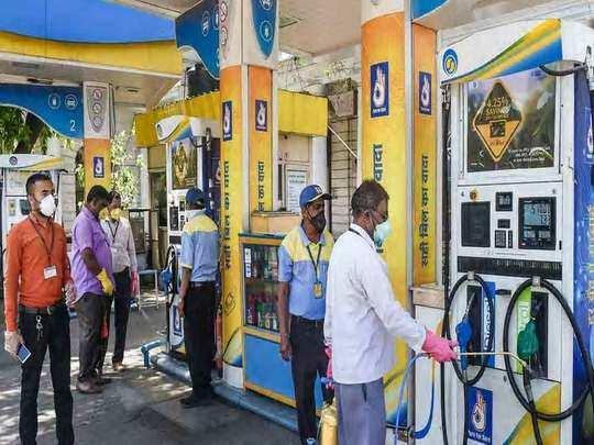मध्य प्रदेश में भी पेट्रोल 100 रुपये के पार (File Photo)