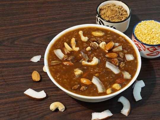 घर पर ऐसे बना कर खाएं स्वादिष्ट मूंग दाल की खीर, जानें रेसिपी