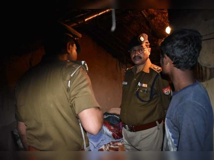 Ghazipur News: गुस्से में पति ने पत्नी की गला दबा कर हत्या की, घर छोड़कर फरार