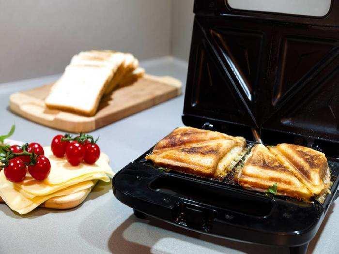 Sandwich Maker On Amazon : घर पर बनाएं गरमा गरम सैंडविच, Sandwich Maker पर करें 40% तक की बचत