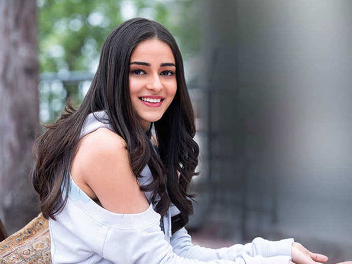 interesting tips and tricks to remove pimple scars and acne to get beautiful cheeks like Sara ali khan and Ananya panday