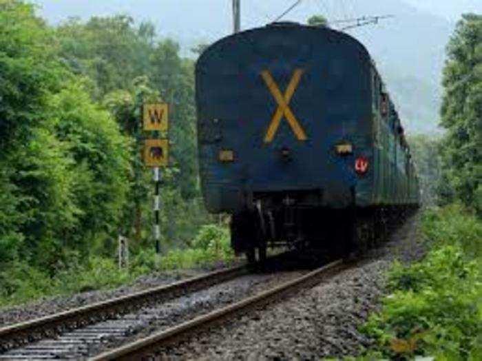 रेलवे बोर्ड ने विवेक एक्सप्रेस को चलाने की मंजूरी दे दी है।