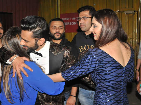 Salman khan gave special gift to all finalists