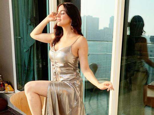 kundali bhagya actress shraddha arya looks beautiful in white one shoulder dress