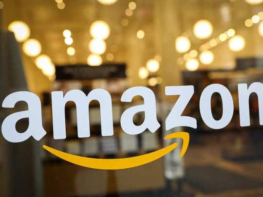 आधे से भी कम दामों में Amazon बेच रहा स्मार्टफोन और पावर बैंक समेत एक्सेसरीज, नहीं छोड़ें ये मौका