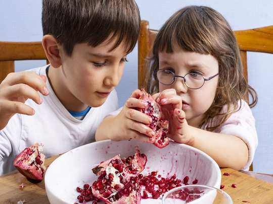 benefits of pomegranate for kids in hindi