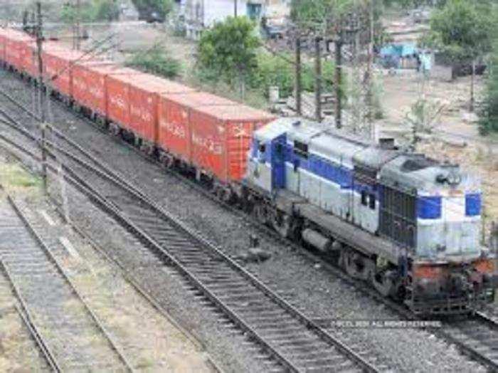 रेलवे ने अगले चार वर्ष में माल ढुलाई से होने वाली आमदनी में चार गुना इजाफा करने का लक्ष्य रखा है।