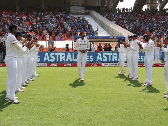 twitter trends india fans cheer ishant sharma who is playing his 100th test in narendra modi stadium ahmedabad