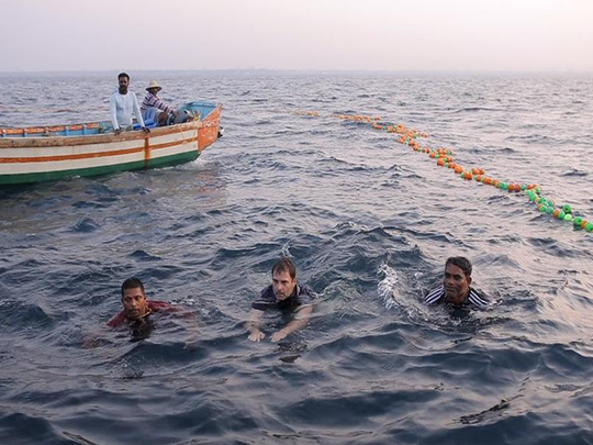 rahul gandhi jumped into the sea with fishermen like this in kerala