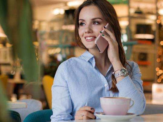 खरीदना चाहते हैं ड्रीम Iphone, Samsung और Oppo के प्रीमियम स्मार्टफोन तो यहां मिलेगी दाम के साथ पूरी जानकारी
