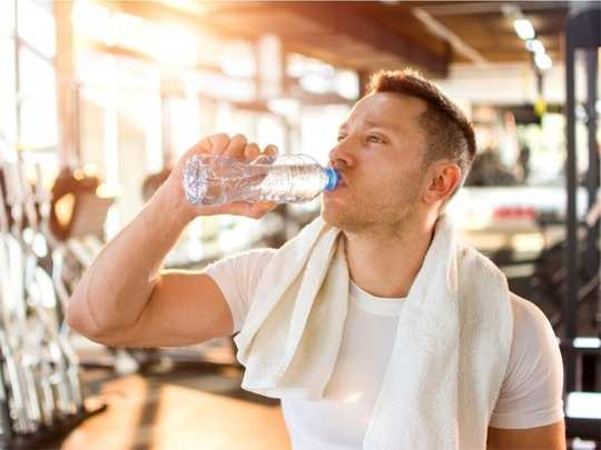 how much water do we actually need to drink for performing better at the gym