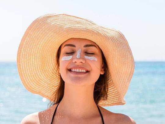 गर्मियों में Sunscreen Lotions लगाने पर स्किन को नहीं होंगी कई समस्याएं, छूट पर करें ऑर्डर