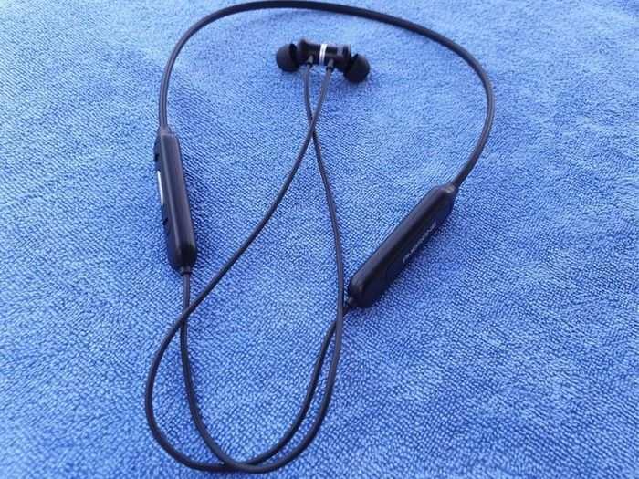 ambrane earphone main