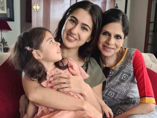 Sara Ali Khan with Aunt Saba soha and Cousin Inaaya