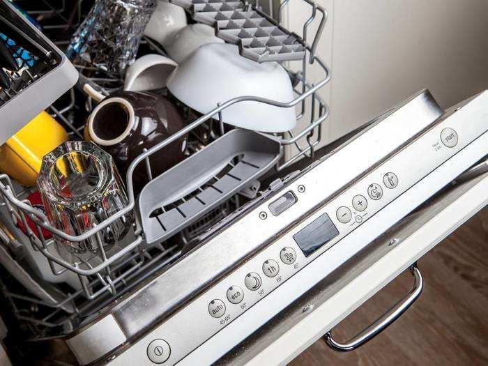 43% के डिस्काउंट बेस्ट फीचर वाले Dishwasher को खरीदने में न करें देर