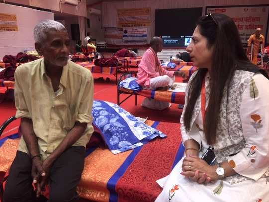 millionaire man begging : millionaire old man has been begging in indore for two years