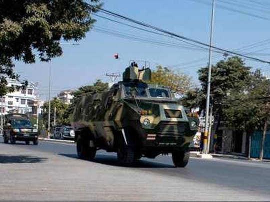 33 प्रदर्शनकारियों की मौत