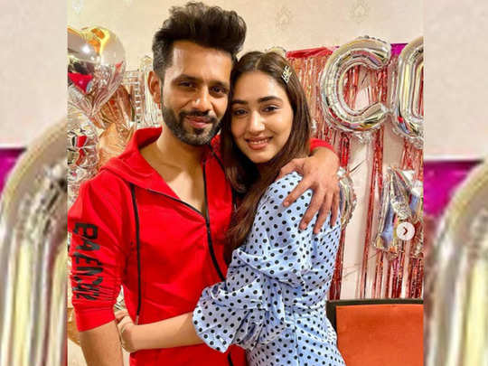 rahul vaidya reveals his marriage date with disha parmar and how latter cried on proposal