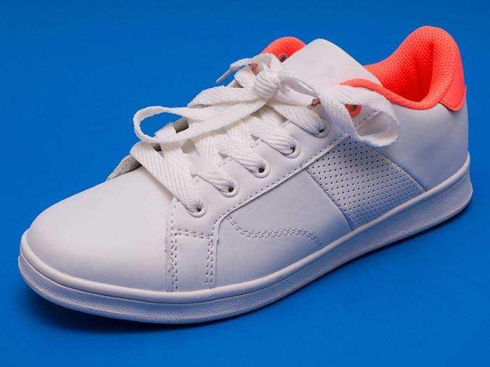Red Tape, Sparx और Adidas के ब्रैंडेड Men Shoes सस्ते में करें ऑर्डर