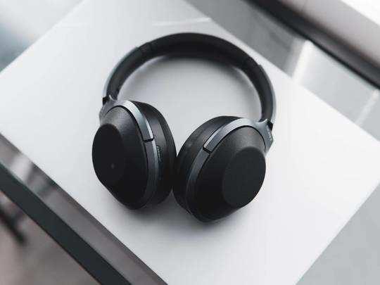 नए फीचर्स और दमदार आवाज वाले Headphones को मात्र 2,500 रुपए में खरीदने का मौका