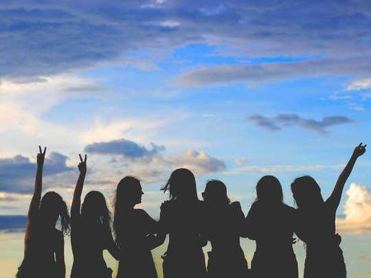 International Womens Day आयुष्यातील प्रत्येक 'ती'ला पाठवा जागतिक महिला दिनाच्या खास शुभेच्छा