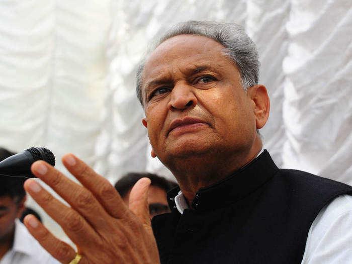 CM गहलोत ने साधा केन्द्र पर निशाना, कहा - सरकार महंगाई पर काबू पाने के लिए समय रहते उठाये कदम