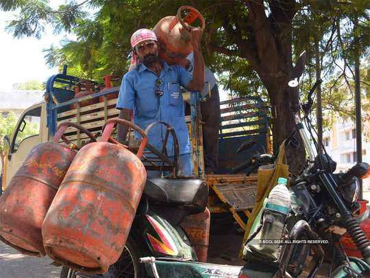 lpg cylinder will cost you rs. 50 cheaper by this way, amazon pay giving rs. 50 cashback said indian oil on twitter