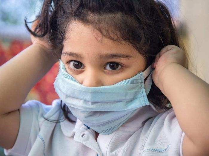 Corona Vaccine For Kids: Wait For Child Friendly Vaccine - कोविड वैक्सीन  फॉर किड्स: बड़ों को तो लगने लगा टीका, बच्चों के लिए कोरोना वैक्सीन कब  आएगी? - Navbharat Times