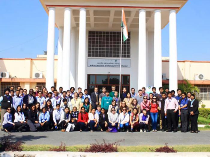 QS World Ranking 2021 : टॉप ग्लोबल बिजनेस-स्कूलों में आईआईएम उदयपुर का दबदबा कायम