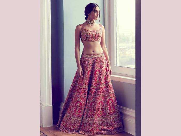 Bridal Lehenga Choli : पर्फेक्ट ब्राइडल लुक के लिए खरीदें ये Lehenga Choli