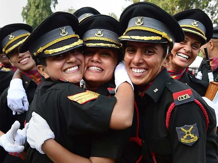 Indian Army Women 01