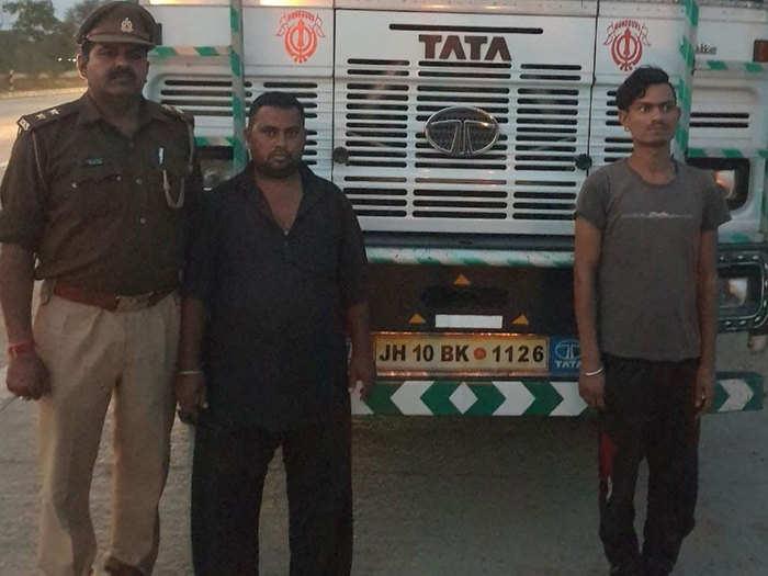 पुलिस गिरफ्त में ट्रक चालक