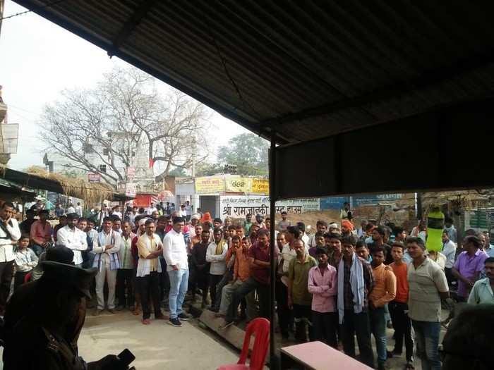 Kanpur News: प्रेमिका ने शादीशुदा प्रेमी के साथ कमरे में लगाई फांसी, सूइसाइड नोट में बयां किया दर्द