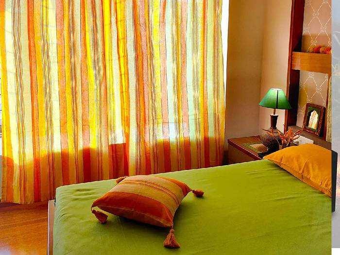Curtain with Pillow Cover : इन कलरफुल Curtains और मैचिंग पिलो कवर से सजाएं अपना रूम