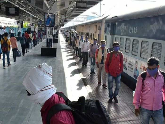 indian railway starts holi special train book irctc ticket online or irctc app holi special train full list