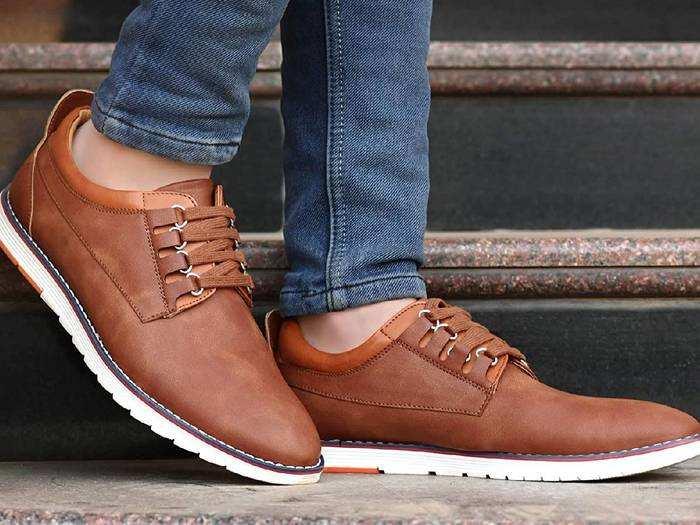 Sneakers for Men : स्टाइलिश लुक के लिए पहनें यह शानदार Sneakers, मिल रहा 58% तक का डिस्काउंट