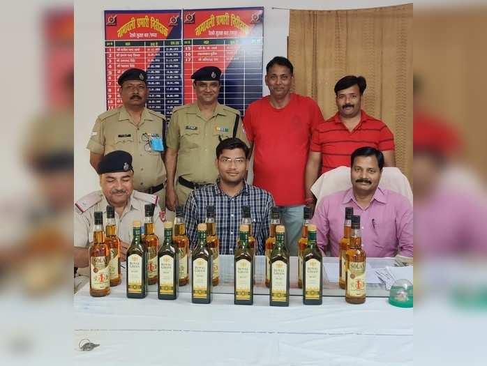 पंचायत चुनावः सड़क मार्ग पर सख्ती, ट्रेन बना तस्करों का नया साधन.. देवरिया में वैशाली एक्सप्रेस से विदेशी शराब की बड़ी खेप बरामद