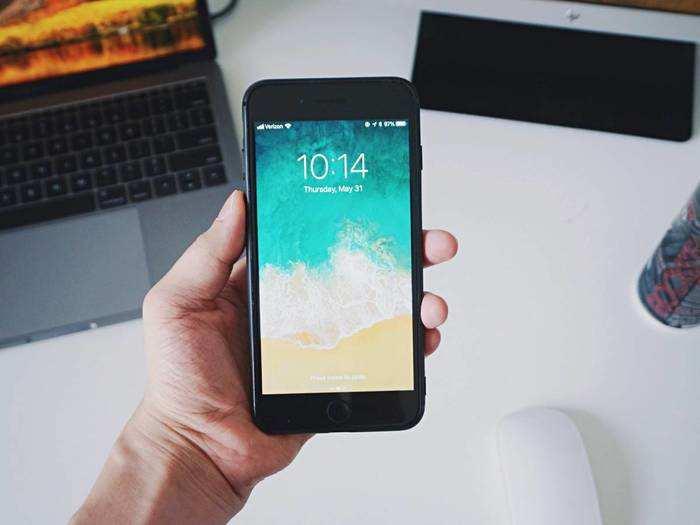 Mobile Phones : ये हैं दमदार बैटरी वाले Smartphones, भारी छूट के साथ खरीदने का मिल रहा मौका