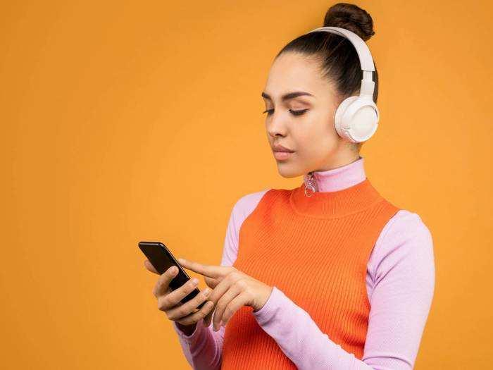 Headphones : म्यूजिक सुनना हो या खेलना हो गेम, ये Headphones में आएगा दोगुना मजा