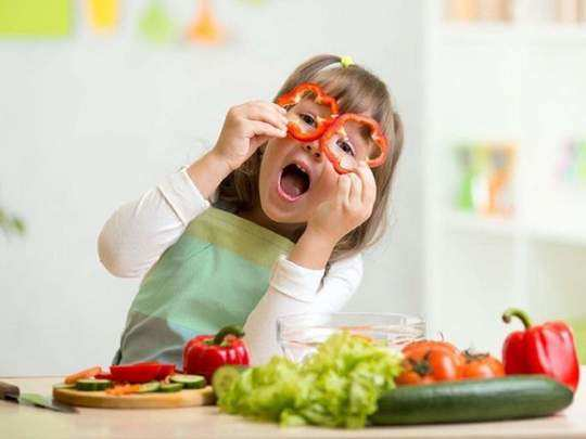 foods which effect on brain development of child in marathi