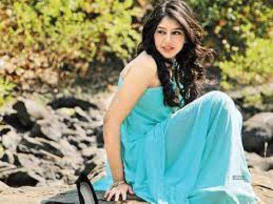 why does niti taylor consider her first love to be the biggest mistake of her life in marathi