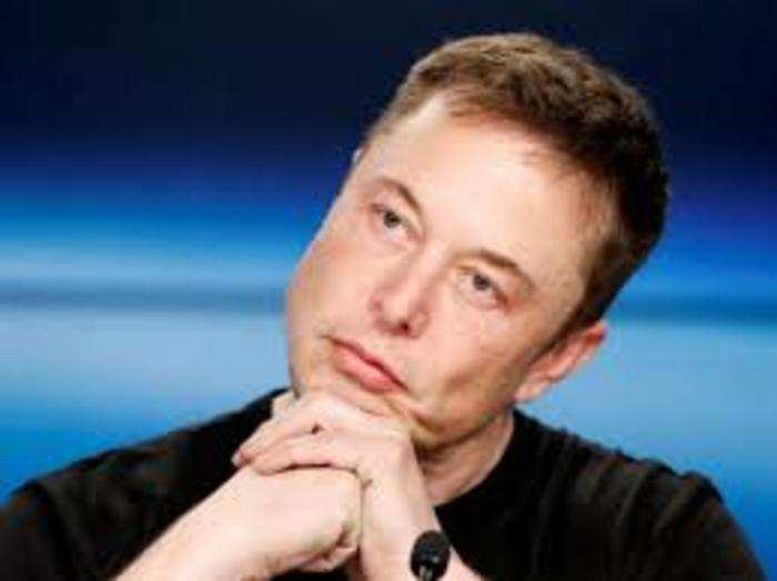 टेस्ला (Tesla) की वैश्विक बिक्री में चीन की हिस्सेदारी 30 फीसदी है।