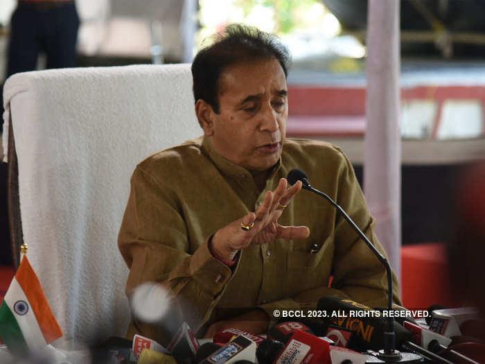 Maharashtra Home Minister Anil Deshmukh to sue Parambir Singh
