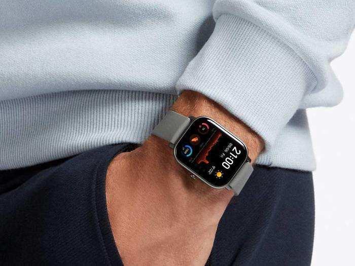Smartwatch : स्मार्ट लुक के लिए पहने Smartwatch और ट्रैक करें अपनी फिटनेस भी