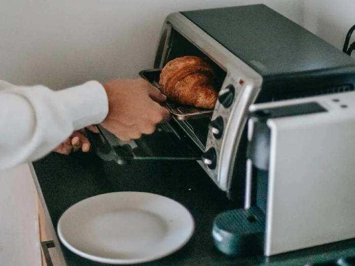 Microwave Oven : 57% तक के डिस्काउंट पर खरीदें Microwave Oven, बिना टेंशन के करें बेक से लेकर रीहीटिंग तक