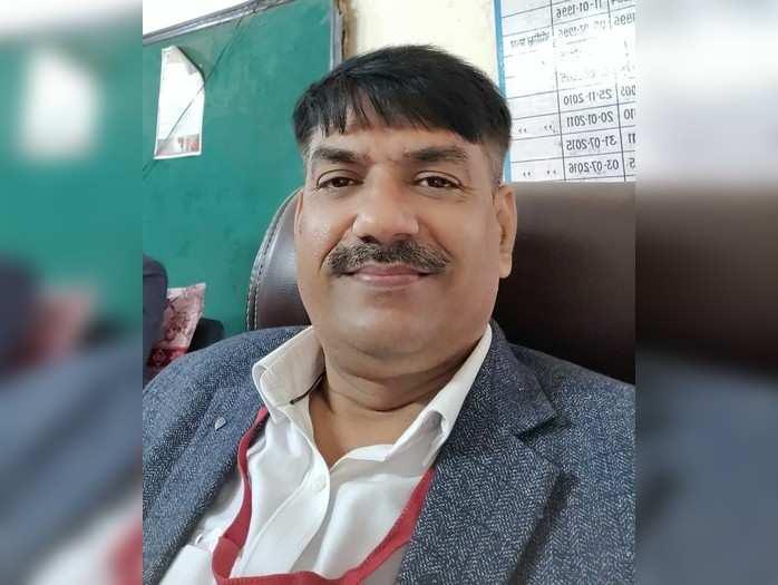 Gorakhpur news: 13 साल का दर्द लिए हुए......लॉकडाउन में किए 8 से 10 घंटे की ड्यूटी