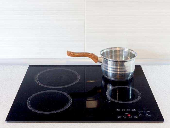Kitchen Appliances : मात्र 1,415 रुपये में मिल रहा है Induction Cooktop, फटाफट बनेगा खाना
