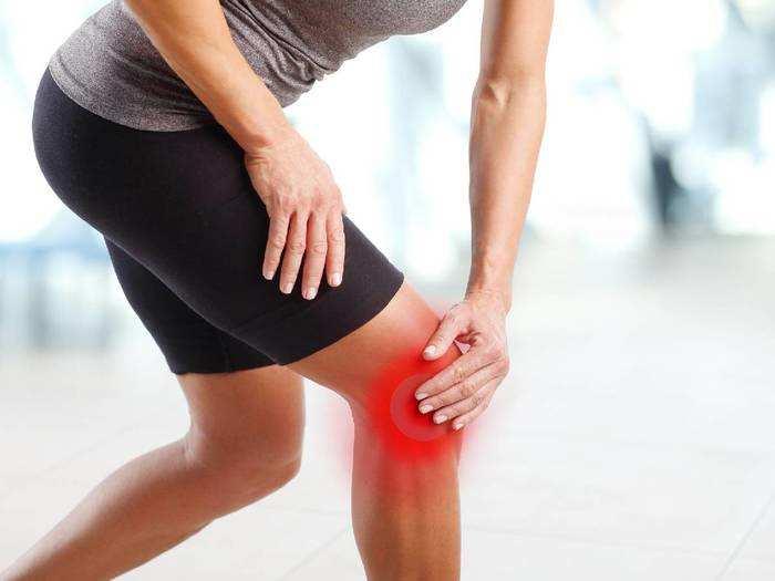Knee Pain Relief Oil : पुराने से पुराने कमर और घुटने के दर्द को दूर कर देंगे ये Oils