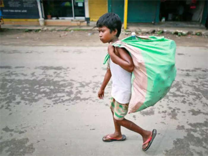 करोनामुळे मुंबईतील १० हजार मुले शाळाबाह्य