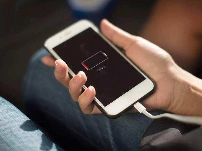बार-बार मोबाइल चार्ज करने से मिलेगा छुटकारा, बस डाउनलोड करें बैटरी बचाने वाली ये ऐप्स